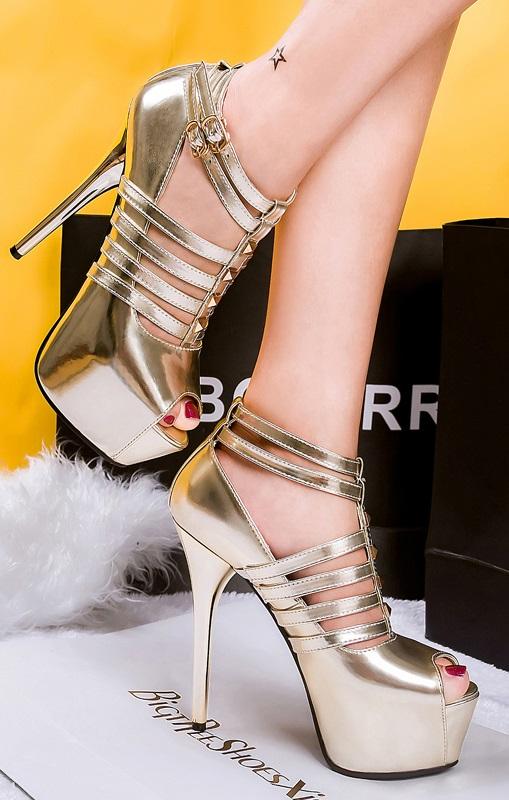 Sandálias Pleasures Sandals Gold