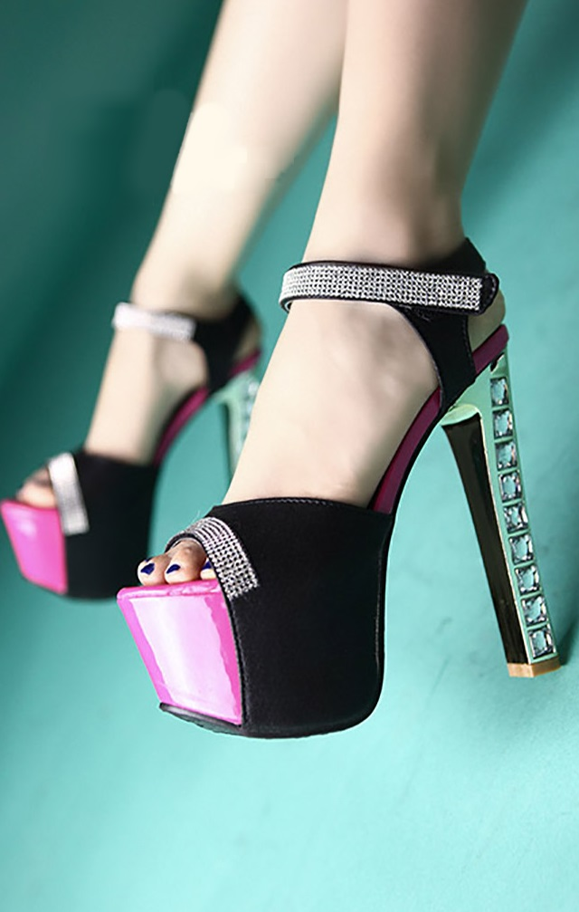 Sandalias com brilhante